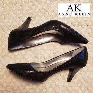 Ann Klein Cakewalk Heels New Black size 6.5